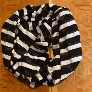 Lightweight infinity scarf.